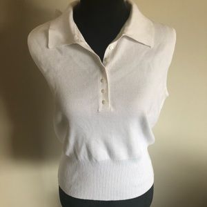 NWT Jones Wear sleeveless collared sweater.